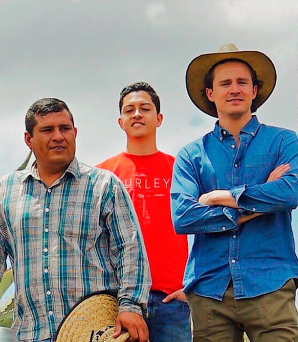 http://mezcalburrito.com/wp-content/uploads/2020/05/BurritoFiestero_Community_ArturoConde.jpg